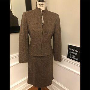Tahara 4 Petite Tweed Zipper Jacket & Skirt